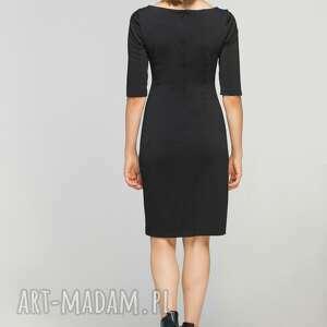 sukienki przeszycia dopasowana sukienka z przeszyciami