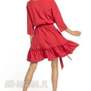 TESSITA Elegancka sukienka z falbaną ściągnięta w pasie, T285, czerwony