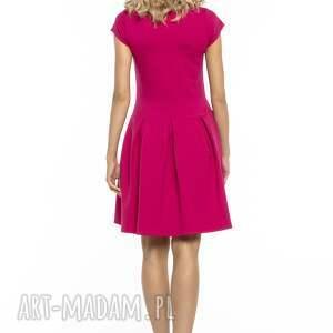 sukienki elegancka sukienka z zakłdkami