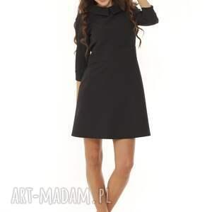 modna sukienka elegancka z kołnierzykiem