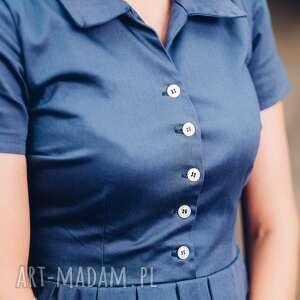 ręczne wykonanie sukienki midi granatowa sukienka
