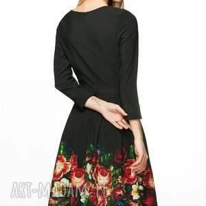 8410025ae0a137 ręcznie zrobione sukienki kwiaty sukienka rita midi celia (czarna)