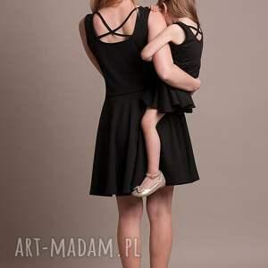 """sukienki czarne """"mała czarna"""" eleganckie wykonana"""