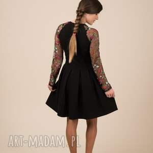wyjątkowe sukienki haft komplet sukienek emily