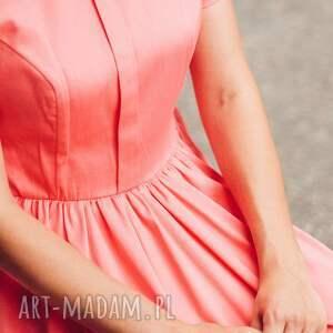 sukienka sukienki czerwone koralowa midi ze stójką