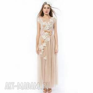 haftowana sukienki królowa bajka - ręcznie