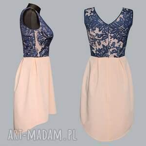 modne sukienki sukienka łososiowa z wydłużonym