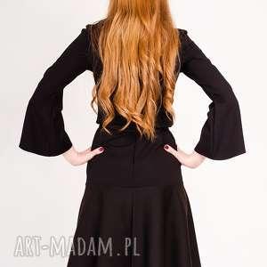 sukienki rozkloszowany mała czarna sukienka z rękawem