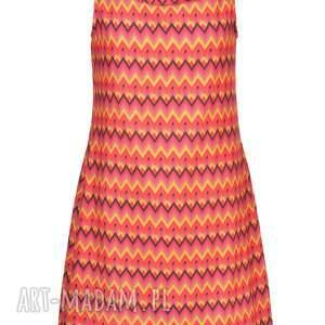 ręcznie wykonane sukienki designerska niezwykle kobieca, minimalistyczna