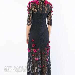 wieczorowa pani wiosna - koronkowa suknia