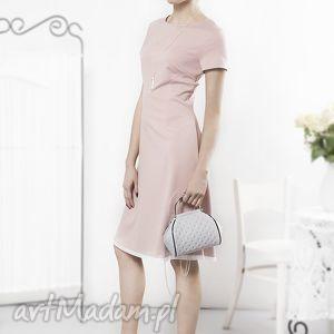 hand made sukienki sukienka prosta pudrowa z haftowaną