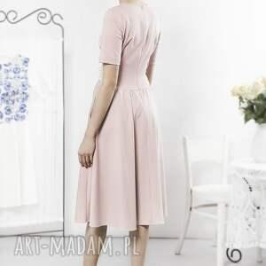 różowe sukienki sukienka pudrowa retro z kwiatowym