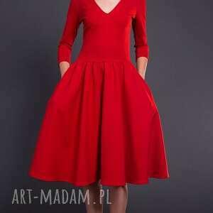 trendy sukienki sukienka klasyczna kobieca uszyta z grubszej
