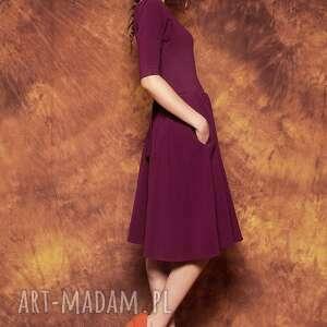 modne sukienki sukienka rozkloszowana z paskiem