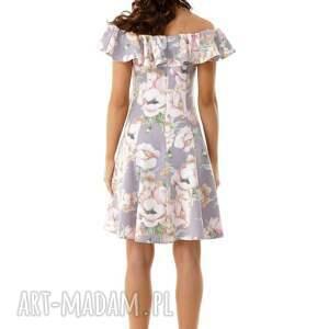 wyjątkowe sukienki sukienka koktajlowa rozkloszowana w stylu