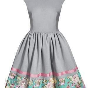 kwiaty sukienki rozkloszowana sukienka w