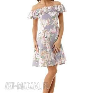 wyjątkowe sukienki sukienka wizytowa rozkloszowana w stylu