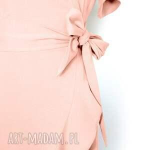 letnia różowa sukienka z