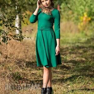intrygujące sukienki sukienka sofi rozkloszowana