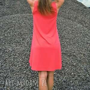 nietuzinkowe sukienki zwiewna sukienka coral summer dress