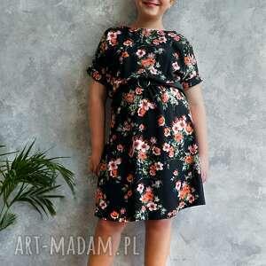 unikatowe sukienki sukienka czarna w kwiaty