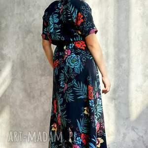niebieskie sukienki sukienka granatowa w kwiaty maxi