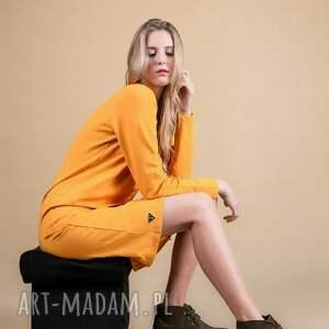 efektowne sukienki bluzka najmodniejszy kolor tego sezonu:)