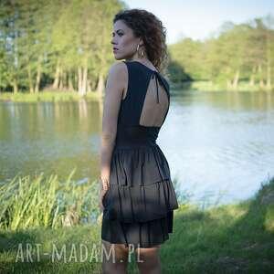 sukienka koktajlowa bez placów