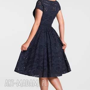 wyraziste sukienki sukienka marie midi haft richelieu