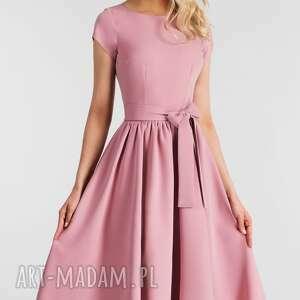 Livia Clue sukienki rozkloszowana
