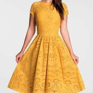 pomarańczowe sukienki sukienka na wesele marie midi haft richelieu