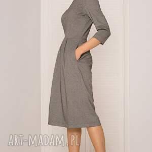 sukienki elegancka kobieca i ponadczasowa sukienka uszyta