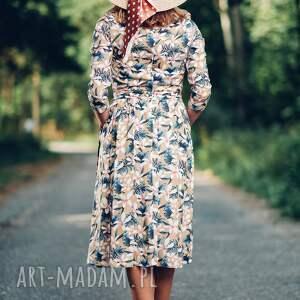 midi sukienki sukienka z wzorem w kwiaty