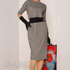 sukienki dopasowana sukienka mono pepitka