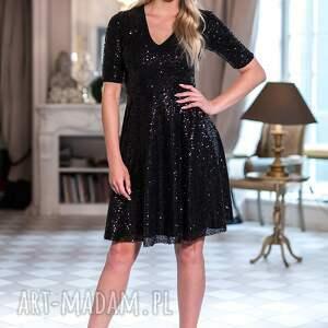 intrygujące sukienki moda sukienka paris
