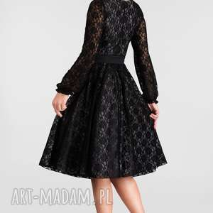 sukienki: rękaw midi