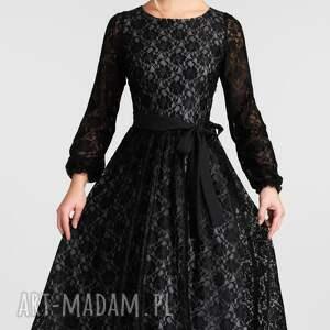 Livia Clue sukienki: rękaw rozkloszowana