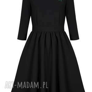 sukienki czarna sukienka rozkloszowana z różą