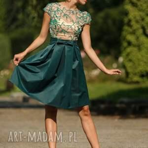sukienki wesele sukienka rozkloszowana z haftowaną