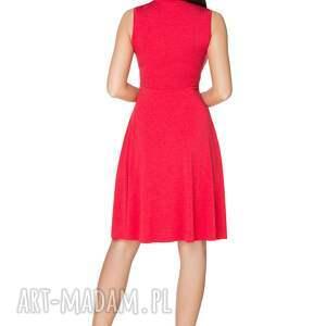 rozkloszowana sukienki sukienka wiązana na