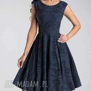 niebieskie sukienki sukienka office style scarlett midi haft