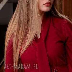 urokliwe sukienki sukienka-z-wiązaniem sukienka stella rubinowa z haftem
