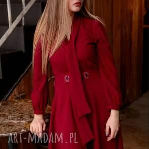 sukienki sukienka-z-wiązaniem sukienka stella rubinowa z haftem