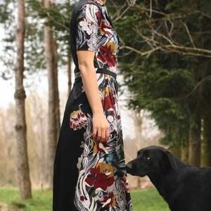trendy sukienki boho sukienka w bordowo miodowe kwiaty