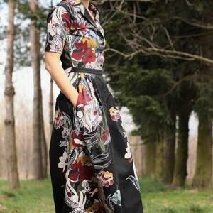 kwiaty sukienki sukienka w bordowo miodowe