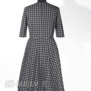 modne sukienki sukienka w kratkę midi