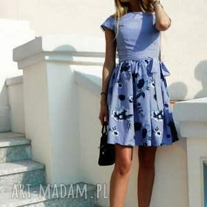 handmade sukienki sukienka-w-paski sukienka w paski haftowane kwiaty