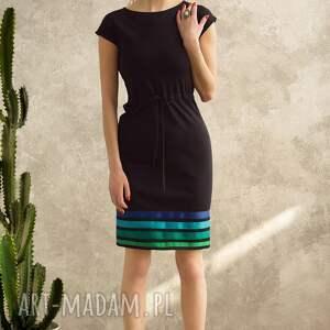 sukienki sukienka prosta i minimalistyczna uszyta