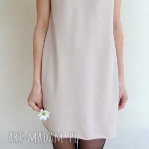 różowe sukienki dekolt sukienka z dekoltem na plecach