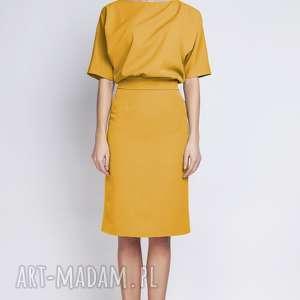 sukienki dopasowana sukienka z dopasowanym dołem